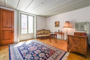A seating area at Magnifique maison vigneronne avec grand jardin