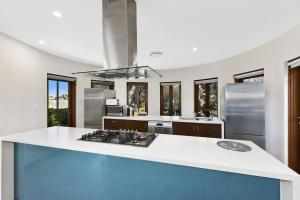 A kitchen or kitchenette at Whitehaven