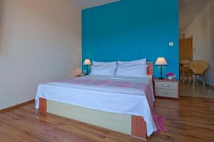 A bed or beds in a room at Boutique Apartments Seputic