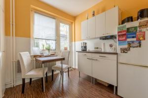 Kuchyň nebo kuchyňský kout v ubytování Privatapartment Südstadt (6301)