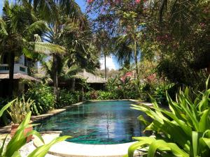 The swimming pool at or near Full Moon Beach Resort