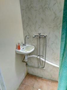 A bathroom at Hotel Uyut