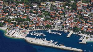 Letecký snímek ubytování Apartments Adria