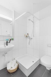 Ein Badezimmer in der Unterkunft Swiss Star Aussersihl - contactless self check-in