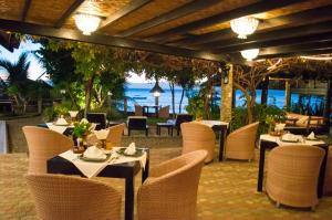 A restaurant or other place to eat at Dolphin House Resort Moalboal
