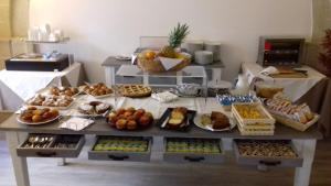 Breakfast options available to guests at Aegusa Hotel