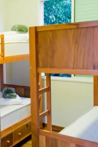 Uma ou mais camas em beliche em um quarto em BH Boutique Hostel