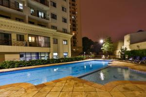 The swimming pool at or near Quality Suites Vila Olimpia