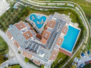 A bird's-eye view of Hotel President Solin