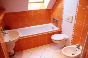 A bathroom at Schneeberg Apartmany
