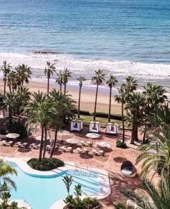 Utsikt över poolen vid Don Carlos Resort & Spa eller i närheten