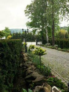 Ogród w obiekcie Hotel Litwiński