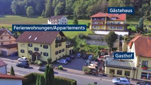 Blick auf Gasthof Hotel Schwarzes Roß aus der Vogelperspektive