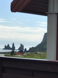 Ein Balkon oder eine Terrasse in der Unterkunft Like Vík Guesthouse