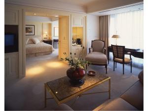 Area tempat duduk di Hotel New Grand