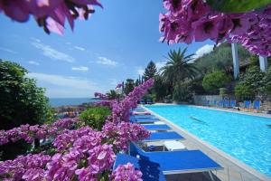 The swimming pool at or close to Hotel Palazzina