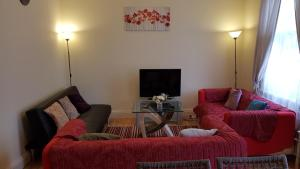 A seating area at Homely and enjoyable Holiday home