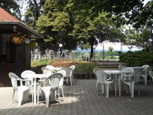 Ein Restaurant oder anderes Speiselokal in der Unterkunft Hotel Casanova