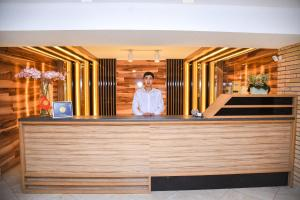 Лобби или стойка регистрации в B Hotel Bishkek