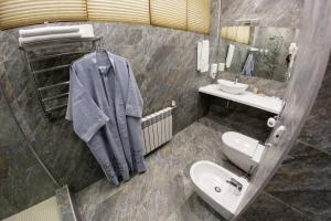 A bathroom at Anastasia Hotel