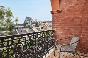 A balcony or terrace at STUNNING SYDNEY HOME 6