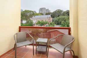 A balcony or terrace at STUNNING SYDNEY HOME 8