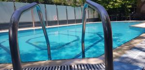 Πισίνα στο ή κοντά στο Ξενοδοχείο Ωκεανίς