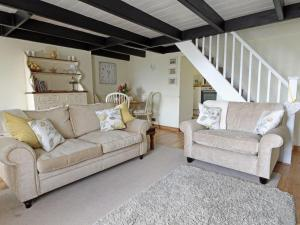 A seating area at Driftwood Cottage