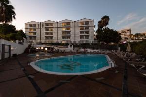 Het zwembad bij of vlak bij TC Apartamentos Dorotea