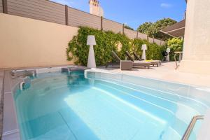 The swimming pool at or close to Charming villa with nice outdoor area & pool at 200m from beaches of Juan