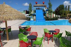 Het zwembad bij of vlak bij Campingpark de Bongerd