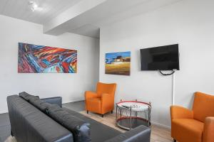 A seating area at Stay Apartments Einholt