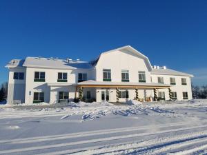Lakes Inn at Dunvilla during the winter