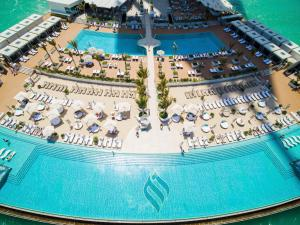 A bird's-eye view of Burj Al Arab Jumeirah