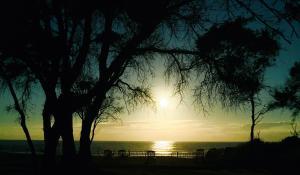 Lever ou coucher de soleil vu de le village vacances ou à proximité
