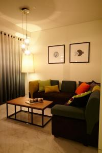 A seating area at Hotel Lacky Daejeon