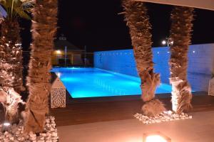 Bazén v ubytování Hotel Conchiglia nebo v jeho okolí
