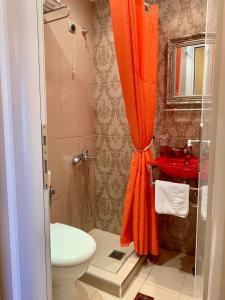 A bathroom at Hotel Mirto
