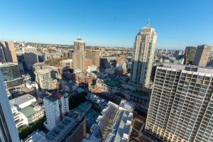A bird's-eye view of High-Rise apt Near Darling Harbour