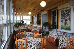 Un restaurante o sitio para comer en La Palmosa