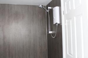 A bathroom at Fernleigh Guest House