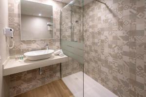 A bathroom at Hotel Best Lloret Splash