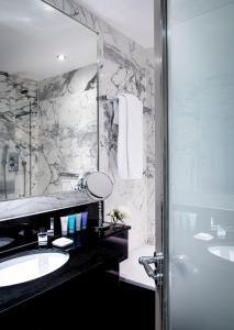 A bathroom at The Bloomsbury Hotel