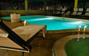 Piscina di Valgrande Hotel o nelle vicinanze