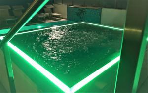 Bazén v ubytování Hotel Oasi nebo v jeho okolí