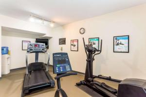 The fitness center and/or fitness facilities at Sleep Inn & Suites Kingsport TriCities Airport