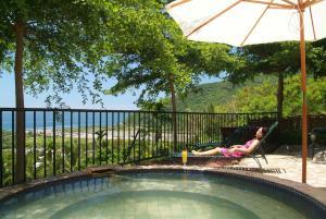 東太陽spa花園溫泉會館游泳池或附近泳池