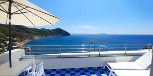 A balcony or terrace at San Michele Hotel & Spa