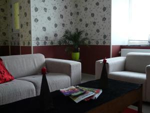 A seating area at Ten Huize Peckeneck