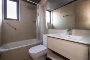 A bathroom at One Nk Apartments